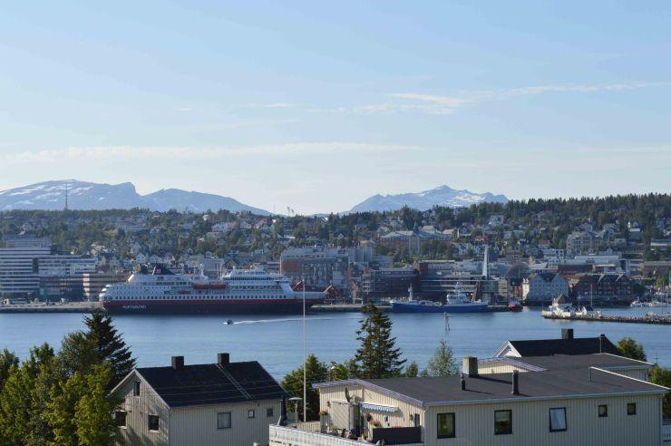 L'Hurtigruten nel porto di Tromso