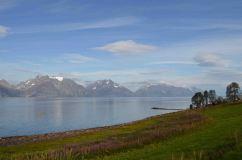 Le Lyngenalpen si specchiano nel fiordo