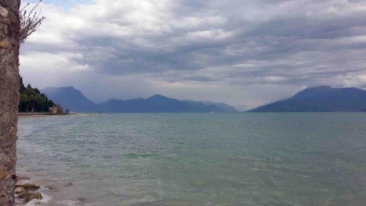 La cornice naturale del lago di Garda