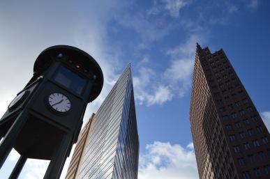"""I grattacieli a Postdamer Platz, la ricostruzione nella """"striscia della morte"""""""
