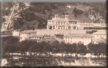 Cartolina di San Pellegrino Terme, il Casinò, inviata nel 1908