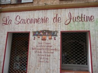 Una delle boutique di profumi a Grasse