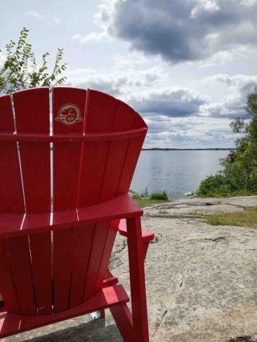 Una delle famose Chaise Rouge dei parchi del Canada