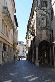 I portici di via Matteotti