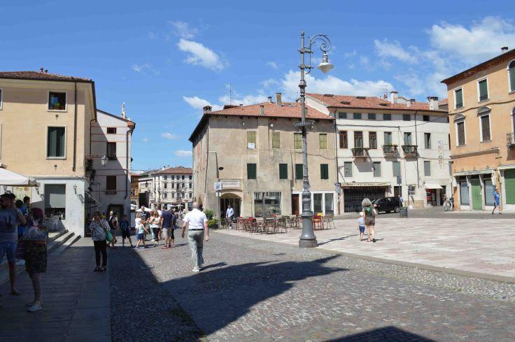 Piazza Garibaldi, Bassano del Grappa