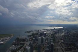 Dall'alto della CN Tower, Toronto